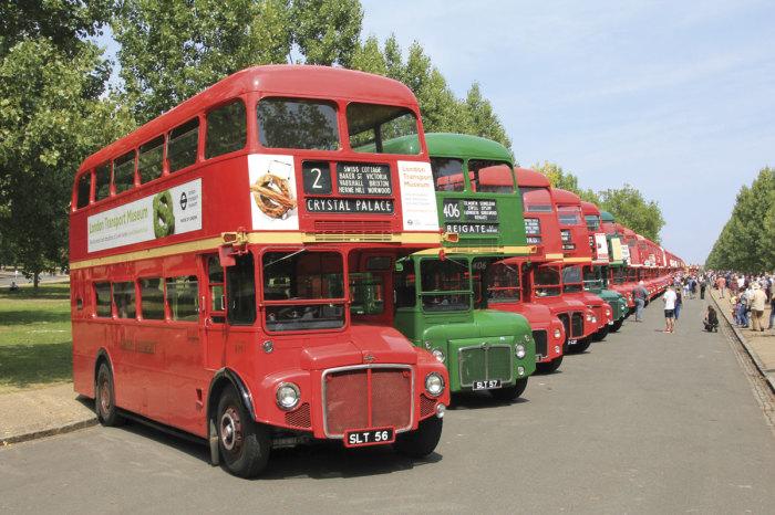 Стали символом города, а потом и страны. /Фото: busandcoachbuyer.com.