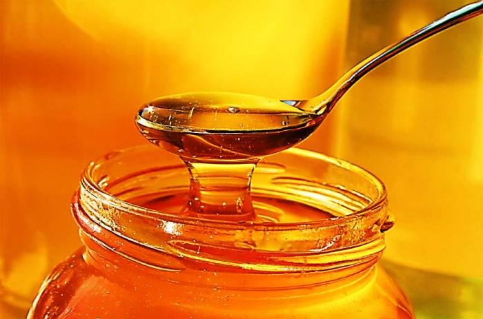 Мед может оставаться жидким очень долго. /Фото: nazaccent.ru.