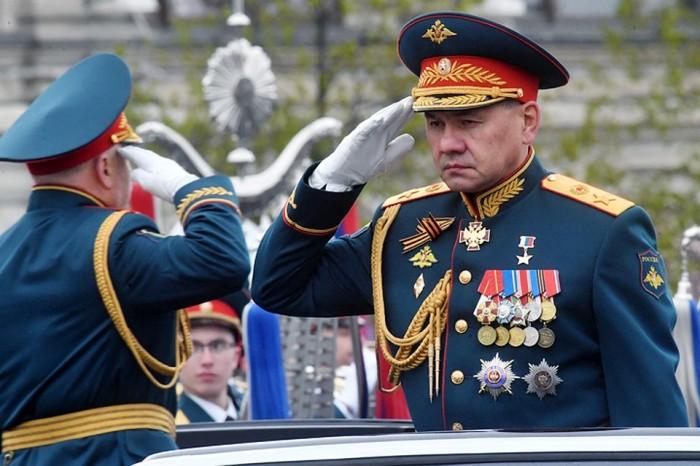 Аксельбант используется в России и сегодня. /Фото: mayaksbor.ru.