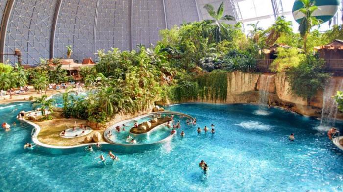 Удивительный Tropical Islands Resort в ангаре.