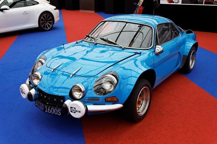 Alpine A110 - классическое двухместное купе из 1961 года.
