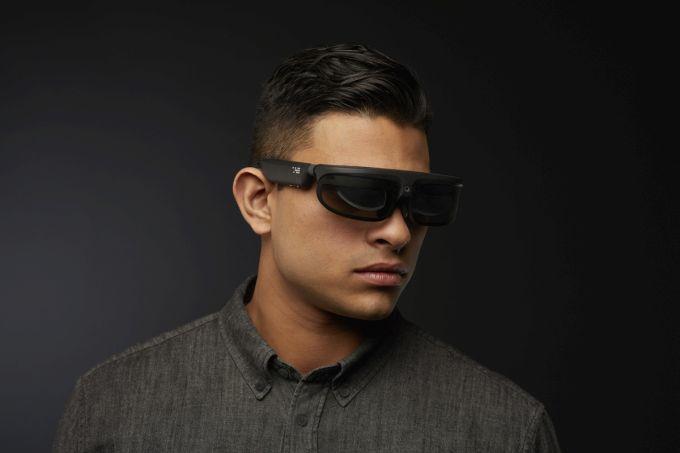 ODG R - новые очки дополненной реальности.