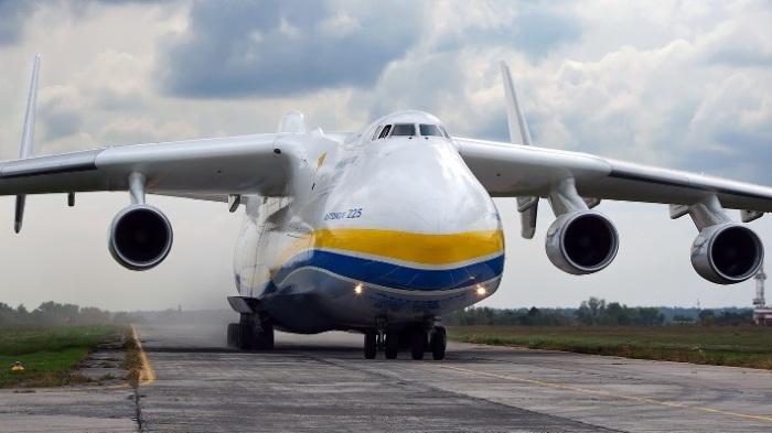 Колоссальных масштабов самолет Ан-225 «Мрия» знает свое дело.