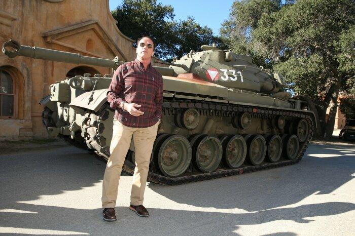 У Арни есть целый танк. /Фото: w-dog.ru.