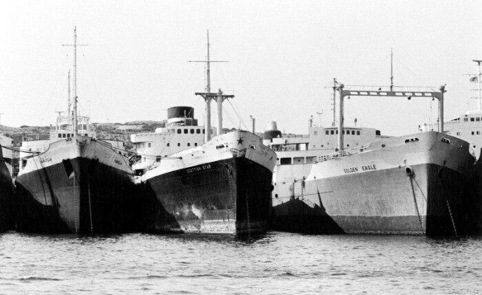 15 судов оказалось заперто в канале. /Фото: youravia.com.