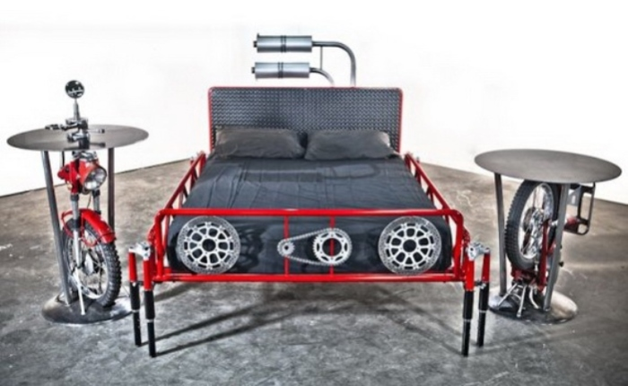 Кровать из велосипедов?