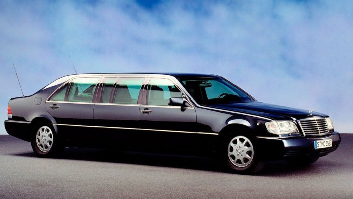 Mercedes S 600 для самых важных.
