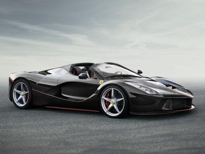 Неизменно хорош Ferrari LaFerrari Aperta.
