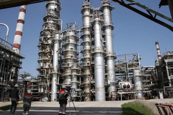 Люди производят огромное количество видов углеводородов. /Фото: shnyagi.net.