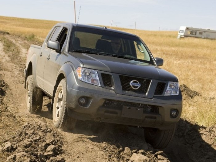 Nissan Frontier PRO-4X грязи не боится.