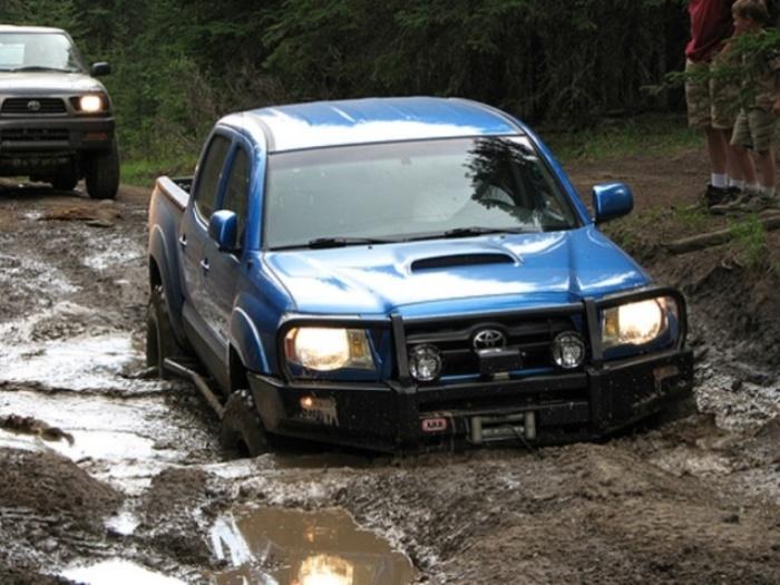 Машина Toyota Tacoma TRD Off-Road - выбор профессионала.