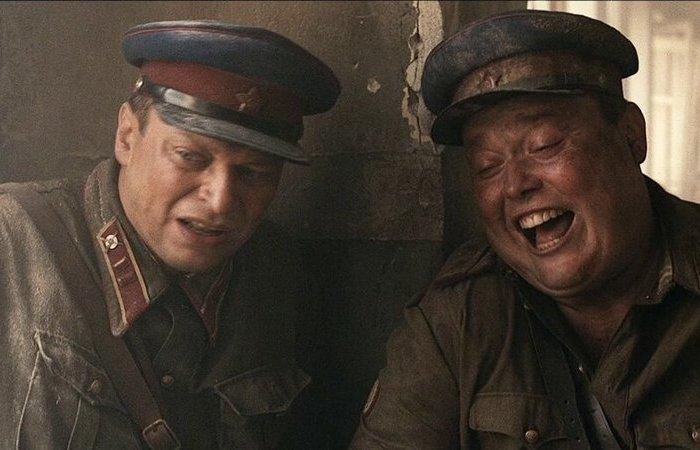 Удивительно, но за весь фильм сотрудники НКВД никого не расстреляли. /Фото: big-torrent.com.