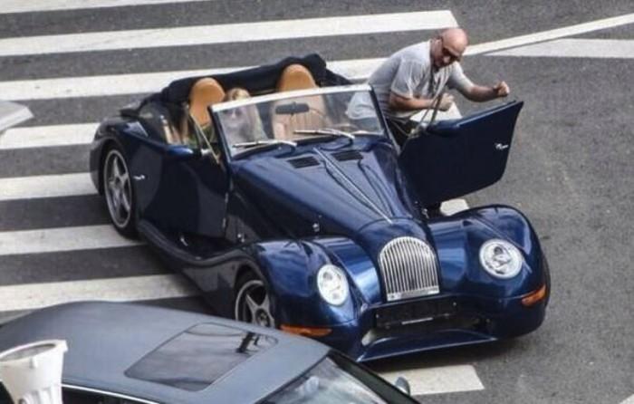 Гоша и его автомобиль.