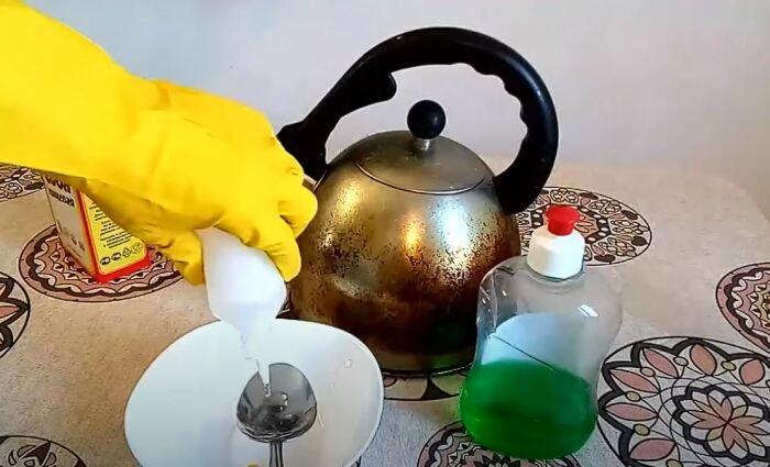 Тщательно перемешиваем все ингредиенты. /Фото: youtube.com.