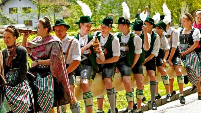 Не такой уж этот костюм и немецкий. /Фото: merkur.de.