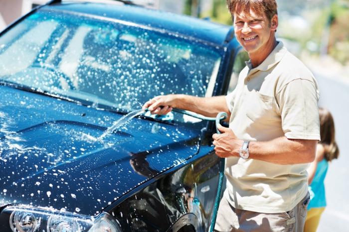 Автомобили старательно моют. /Фото: 1gai.ru.