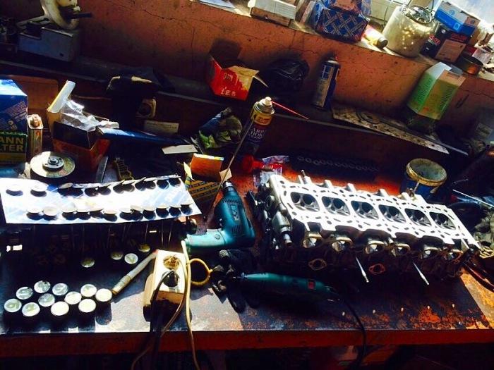 Двигатель нуждается в постоянном надзоре. /Фото: drive2.ru.