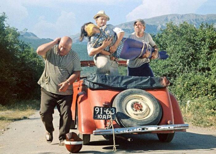 Автомобиль для фильма был выбран не просто так. /Фото: vk.com.