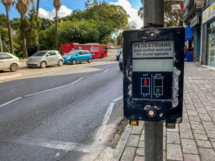 Перед каждым светофором. /Фото: ya.ru.