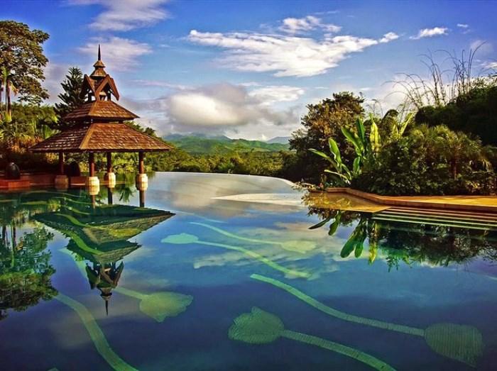Одно из самых мирных мест на земле Anantara Golden Triangle Elephant Camp.