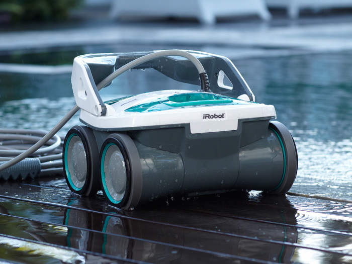 Робот для чисти бассейна: к погружению готов!
