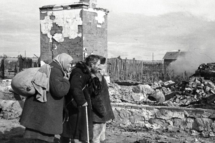 В ходе войны многие колхозы и деревни были уничтожены. /Фото: livejournal.com.
