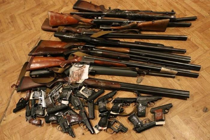 Трогать оружие до изъятия - нельзя. /Фото: ВКонтакте.