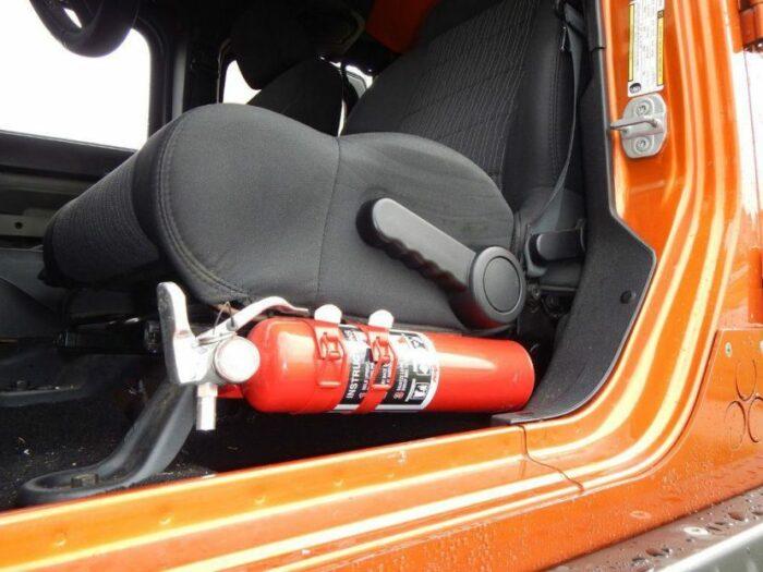 Где будет огнетушитель - все равно. /Фото: drivedrom.ru.