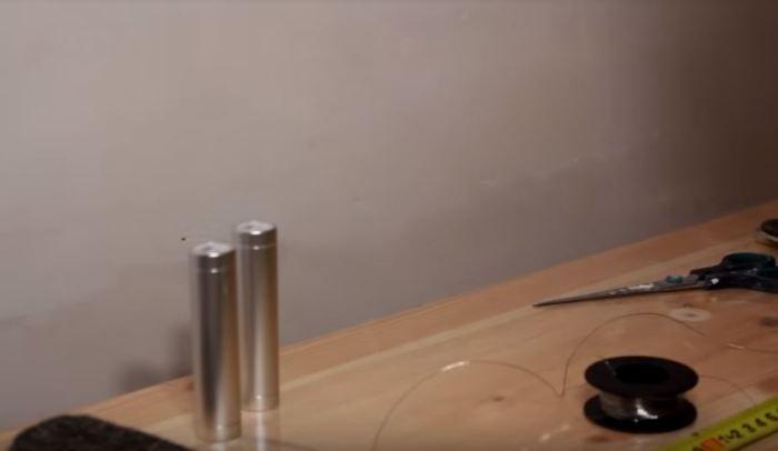 Сначала нужно подготовить материалы. /Фото: youtube.com.