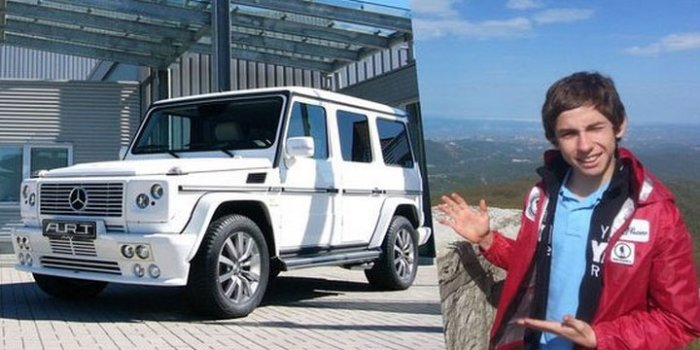Большой автомобиль для сына большого человека.