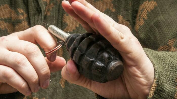 Для вытаскивания чеки нужно усилие до 8 кг. /Фото: vop.ru.