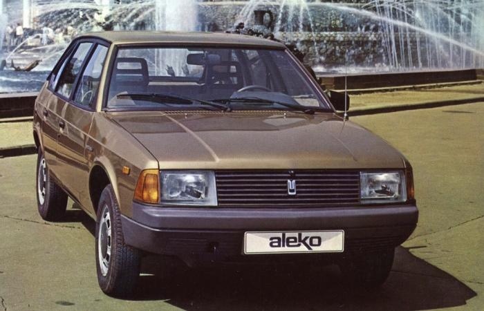Первый и единственный советский легковой дизельный автомобиль.