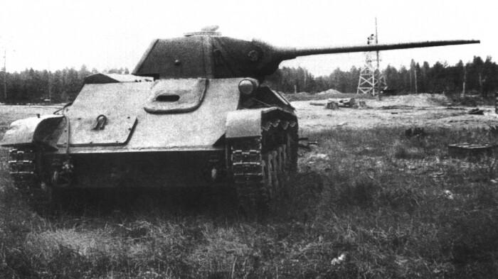 В частности была предпринята попытка поставить на танк лучшую пушку. /Фото: war-book.ru.