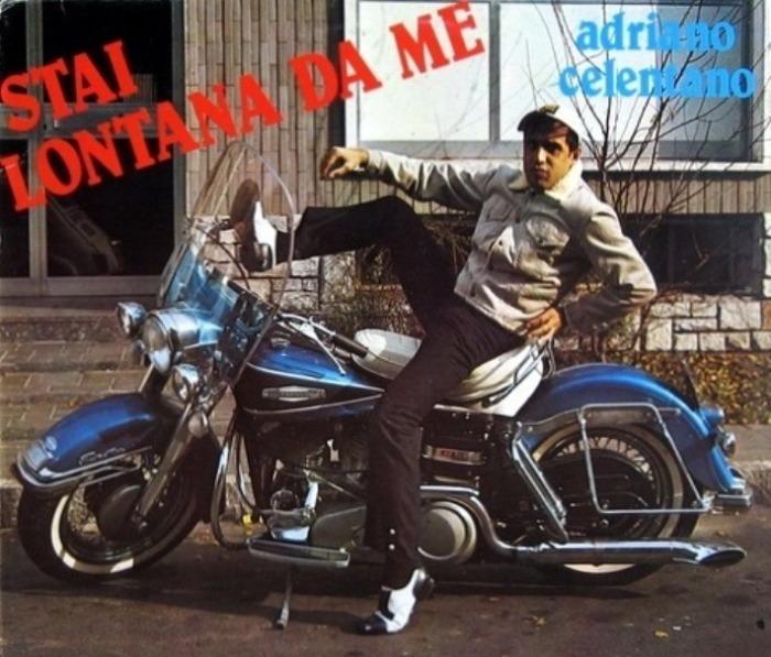 У него была большая коллекция мотоциклов.
