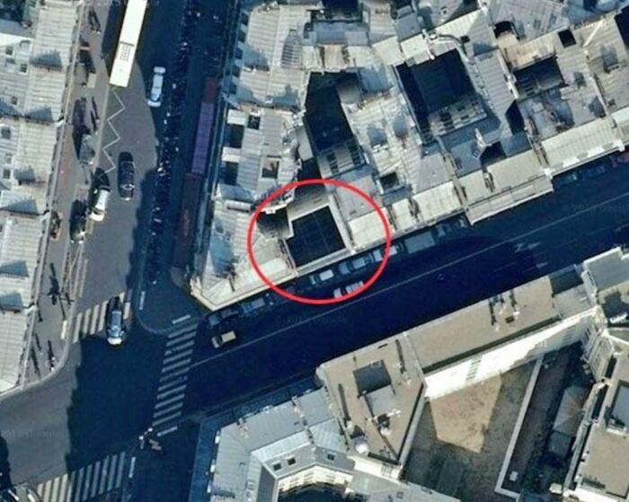 А вот фальшфасад в Париже. /Фото: pariscityvision.com.