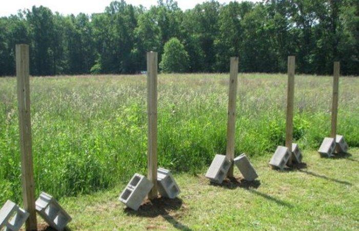 Как легко вытащить столб из земли вместе с бетонным основанием.