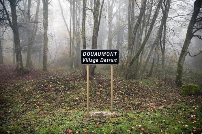 Когда-то здесь была деревня.  Фото: Ollvler Saint Hilaire.