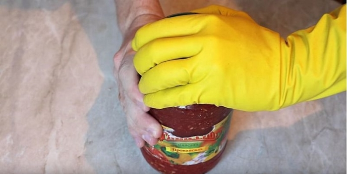 Используем перчатки. /Фото: mensblock.ru.