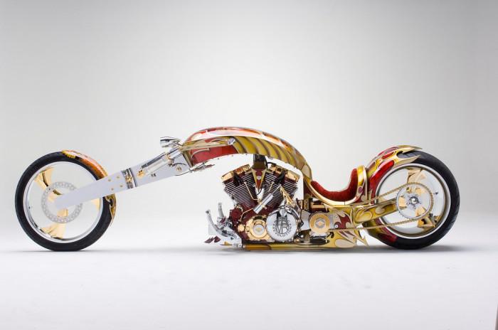 Трудно поверить, что Gold Plated Custom Chopper такой дорогой.