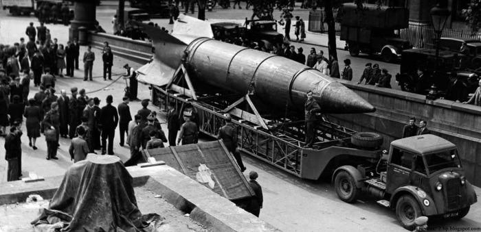 Первая баллистическая ракета. /Фото: cocoin.su.