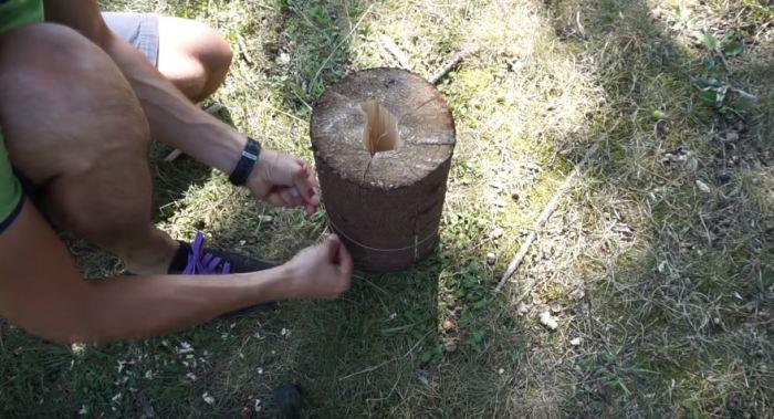 Самый простой способ создания свечи. / Фото: youtuube.com.