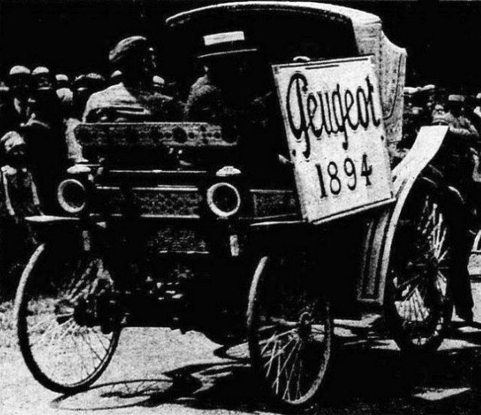 Фиакр Peugeot, который принял участие в гонке Париж-Руан в 1894 году