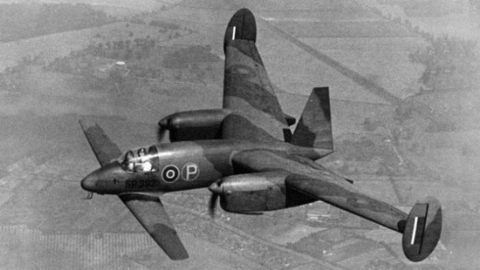 Палубный самолет  Libellula.