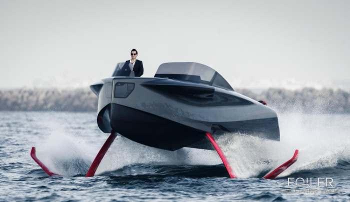 Яхта Foiler не боится волн.