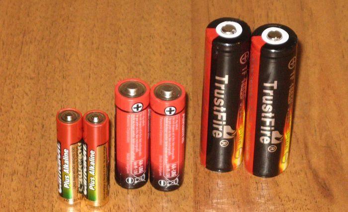 Не стоит брать батарейки на каждый день.