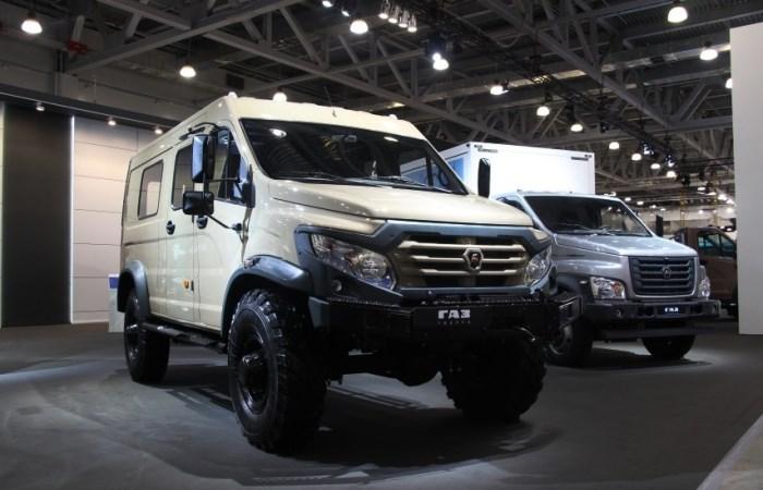 Новый автомобиль ГАЗ показали на выставке.