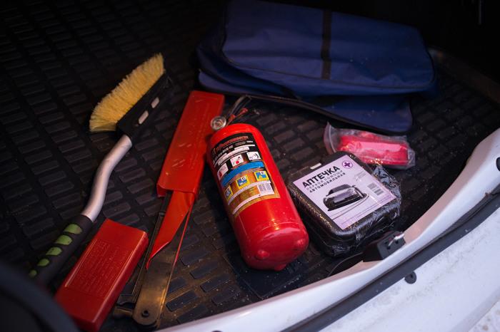 Валяться огнетушитель не должен. /Фото: carvill.ru.