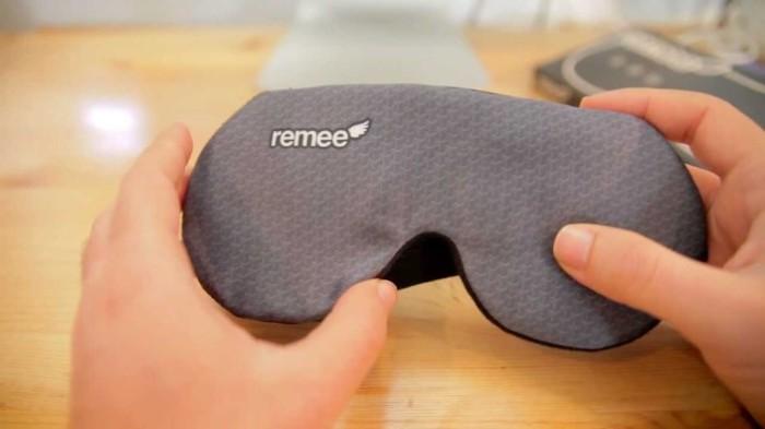Маска Remee Dream Mask поможет избавиться от кошмаров.