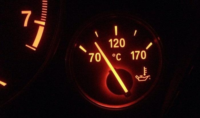 На холостом ходу полностью не прогреется. /Фото: automobile-zip.ru.