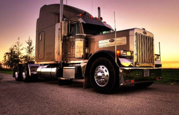 Большие американские грузовики и их компании-производители.